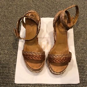 Chloe straw wedge sandal size 38 1/2